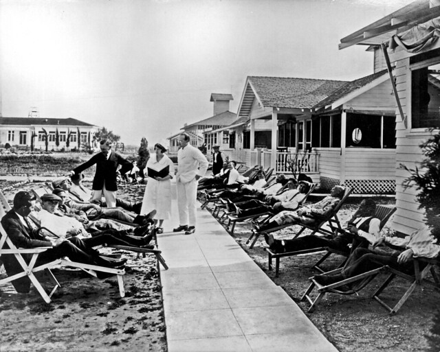 The City of Hope story began in 1913, when a group of volunteers, spurred by compassion to help those afflicted with tuberculosis, established the Jewish Consumptive Relief Association (JCRA) and raised money to start a free, nonsectarian tuberculosis sanatorium.