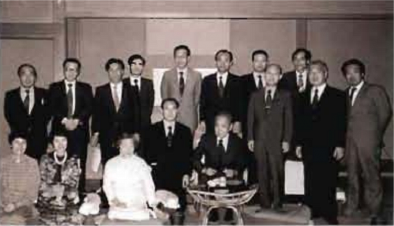 Ogura, seated right, with the Japanese ENT Alumni Association in 1980
